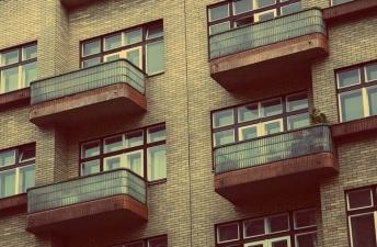 apartments-924786_640