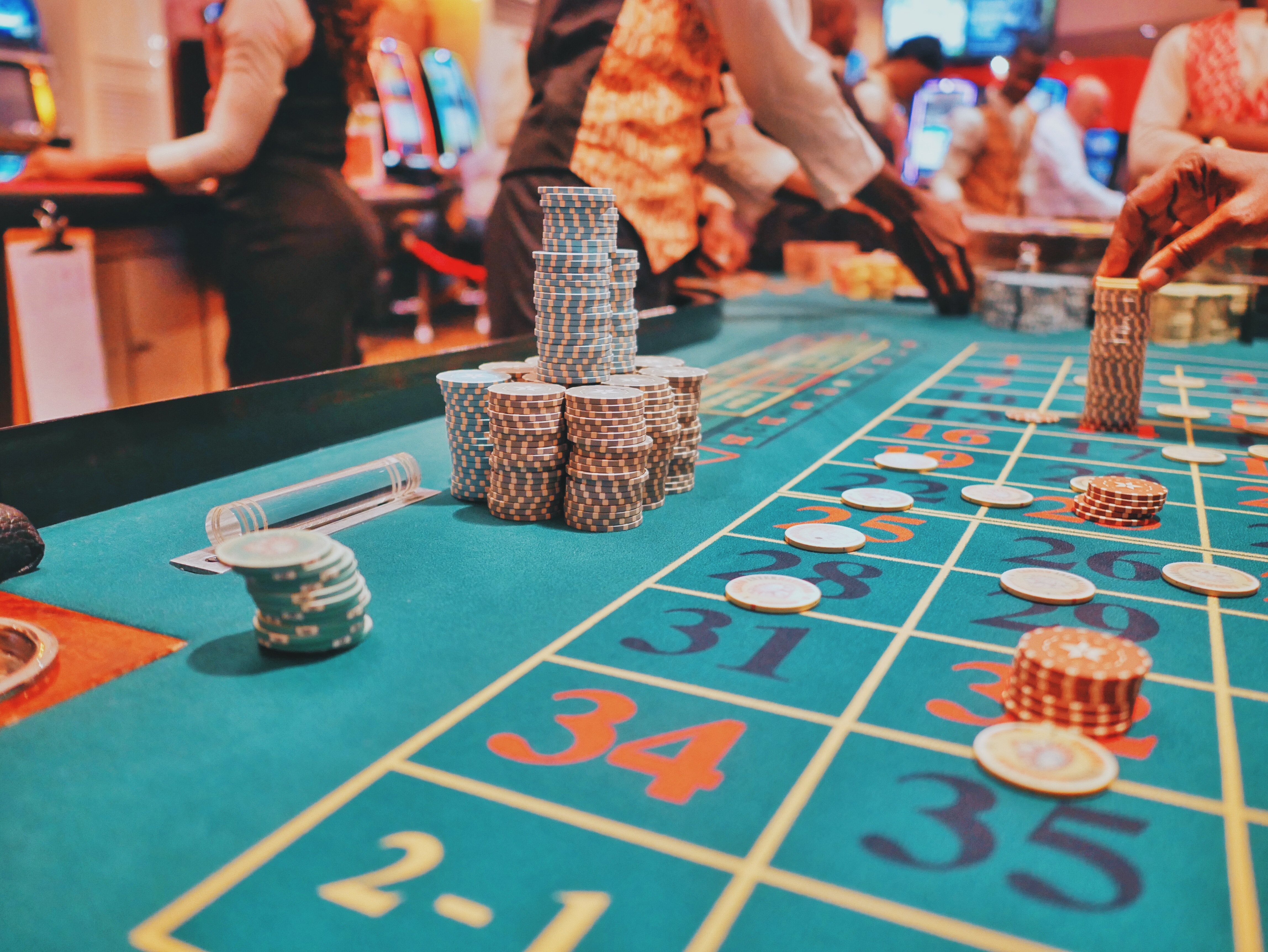 online casinos and finance